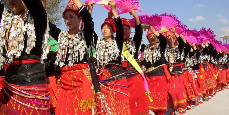 4 Days Jingpo Ethnic Minority's Munao Zongge Festival Tour