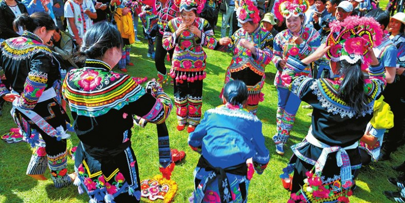 17 Days Yunnan Ethnic Minorities Festivals Tour around Chinese New Year