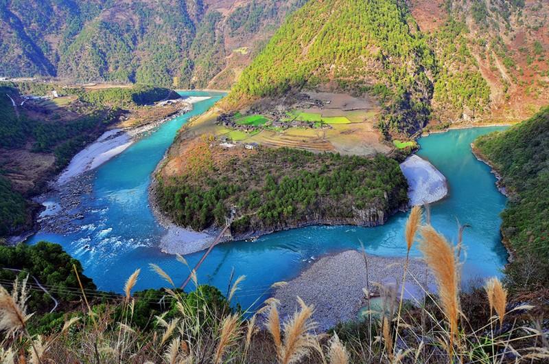 The First Bend of Yangtze River, Lijiang