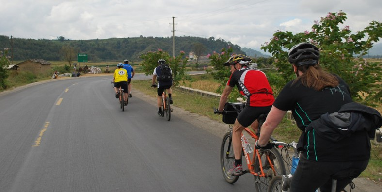 7 Days XishuangBanna Tropical Forest Cycling Tour with Ethnic Minorities and Ancient Tea Culture