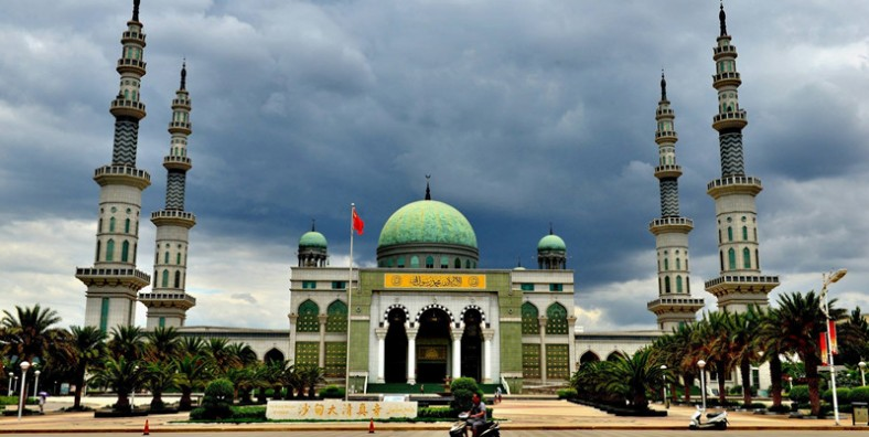 6 Days Kunming Shadian Muslim Tour with Yuanyang Rice Terraces and Jianshui Old Town
