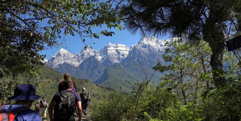7 Days Lijiang and Shangri-La Paradise Tour with Tiger Leaping Gorge Hiking Adventure